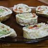 Рулет из омлета, авокадо и болгарского перца от Гастрономъ