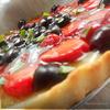 Клубнично-черешневый тарт с базиликом