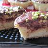 Пирожное с банановой начинкой и горьким шоколадом