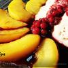 Персики фламбе с персиково-банановым мороженым