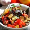 Салат из баклажан и перцев с базиликом