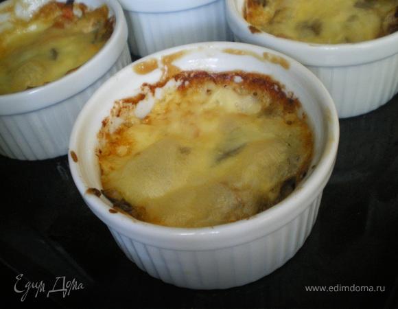 Запечённые баклажаны под сыром.