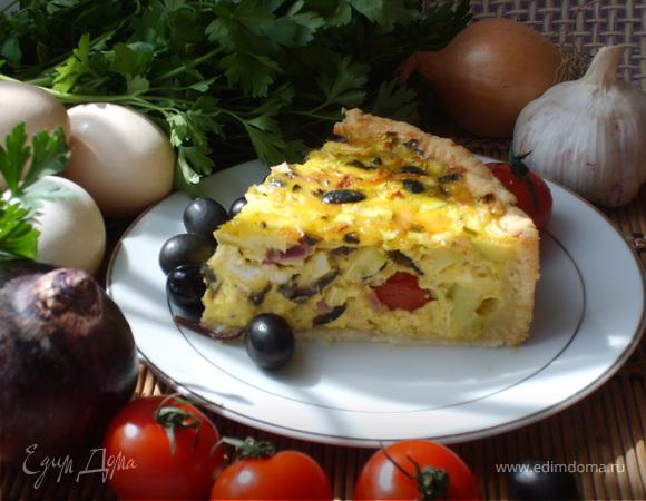 Киш с кабачками и маслинами