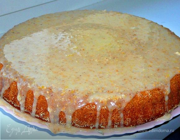 Бананово-маковый пирог с лимонной глазурью.