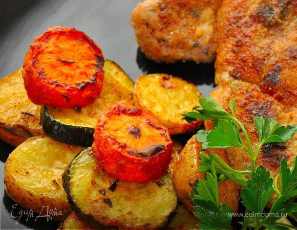 Шницель и печеные овощи (Schnitzel & Baked Veggies).