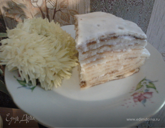Вафельный тортик с белковым кремом