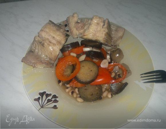 Сом в мятном бульоне и фасоль с овощами