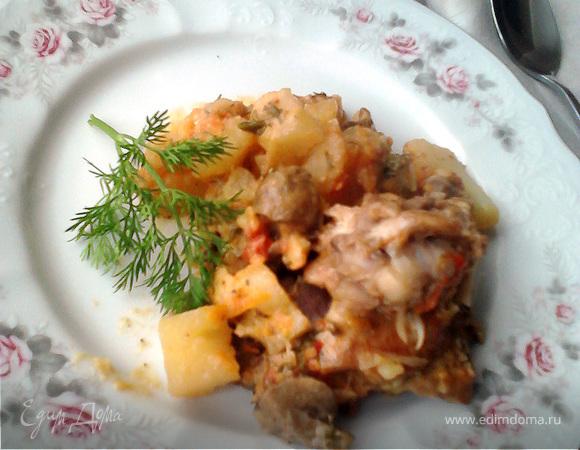 Жаркое с курицей и грибами в горшочке