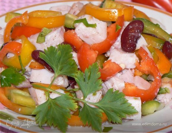 Салат с копченой курицей и помидорами и болгарским перцем рецепт с