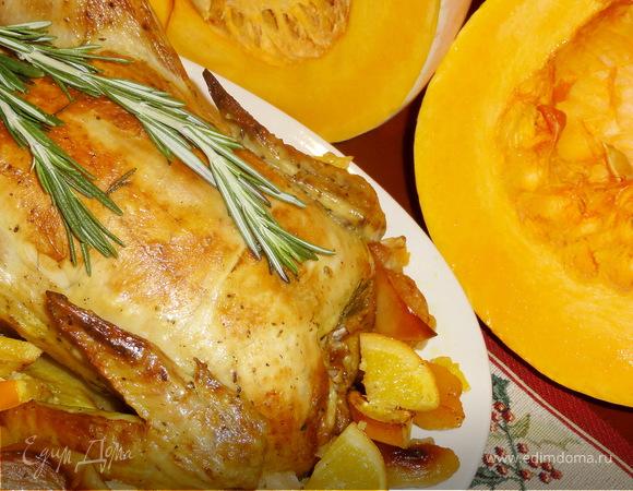 Курица запеченная с тыквой, яблоками и апельсинами.
