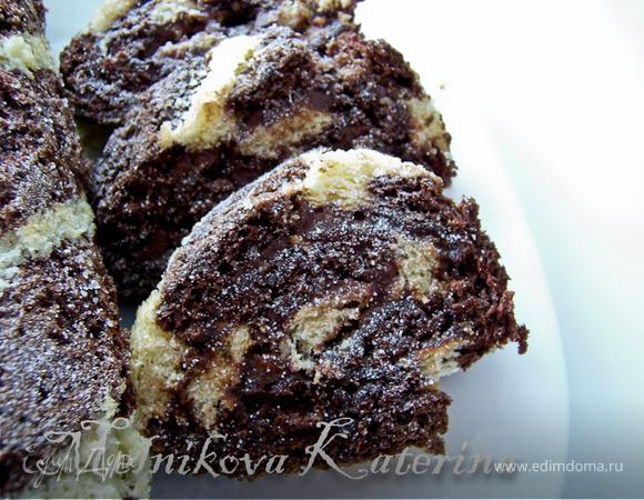 Полосатый рулад с шоколадным кремом