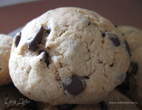 Печенье с шоколадными чипсами