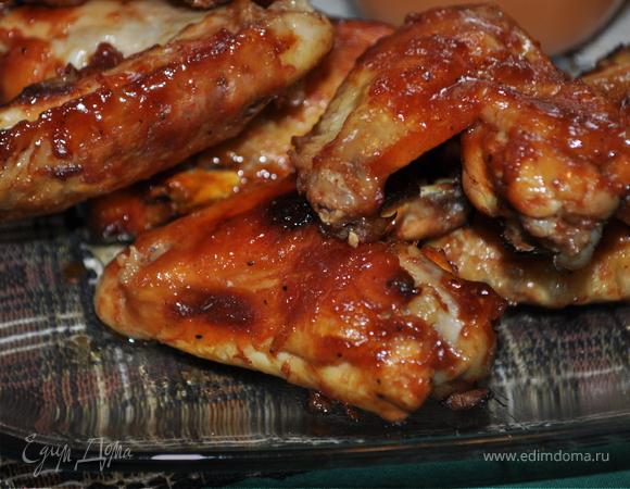 Куриные крылышки в домашнем барбекю соусе