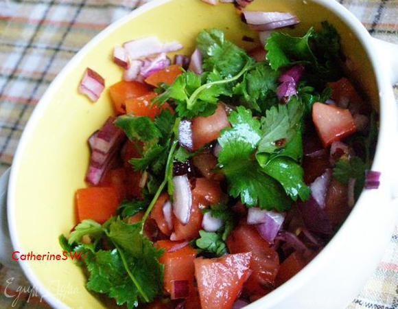 Мексиканское чили из курицы с сальсой из помидоров