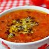 Острый гречневый суп с помидорами и базиликово-пармезановой заправкой
