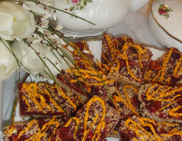 Клюквенно-ореховый пирог с апельсиновым шоколадом