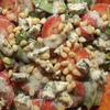 Салат из клубники со шпинатом, руколой и мятой