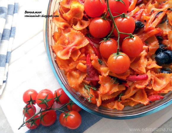 Паста, запеченная с острой колбасой, томатами и моцареллой
