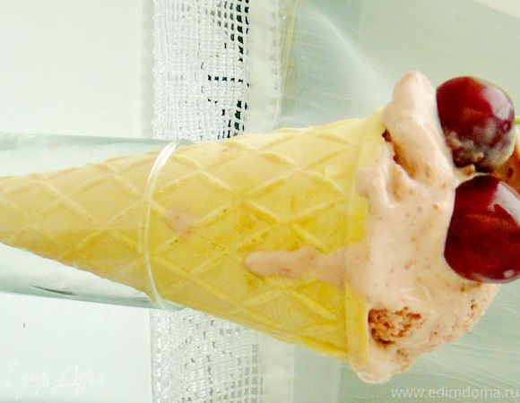 Мороженое с черешней