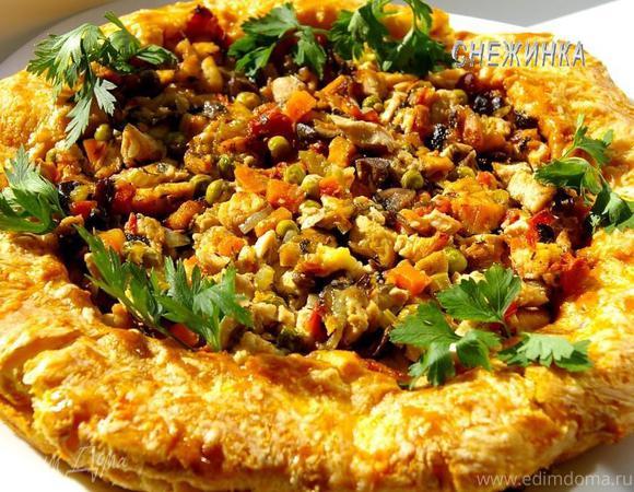 «Золотое кольцо»: куриное филе с овощами и шампиньонами в заварном сырном тесте