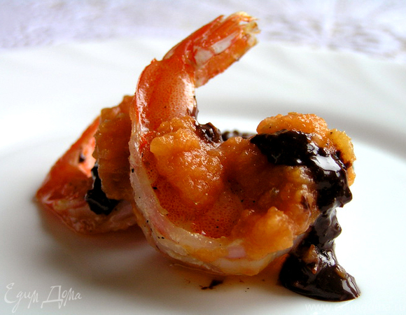 Креветки под шоколадным соусом