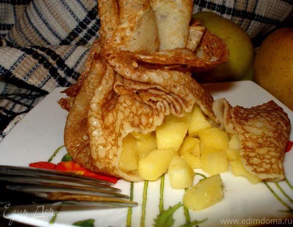 Заварные блины на молоке с начинкой из яблок