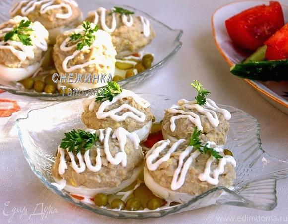 Яйца, фаршированные рубленой сельдью (Яйкі, фаршаваныя селядцом)