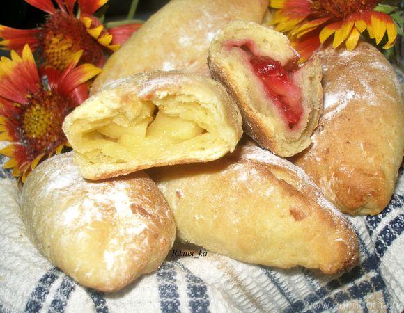 Пирожки из творожного теста с двумя видами начинок