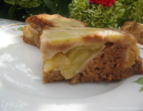 Пряный овсяный пирог с яблоками