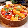 Чизкейк с сыром Джюгас и помидорным салатом