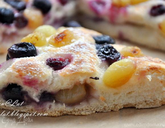 Итальянский деревенский пирог с виноградом