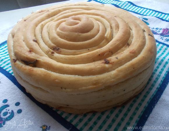 Чесночный хлеб с базиликом и черным перцем