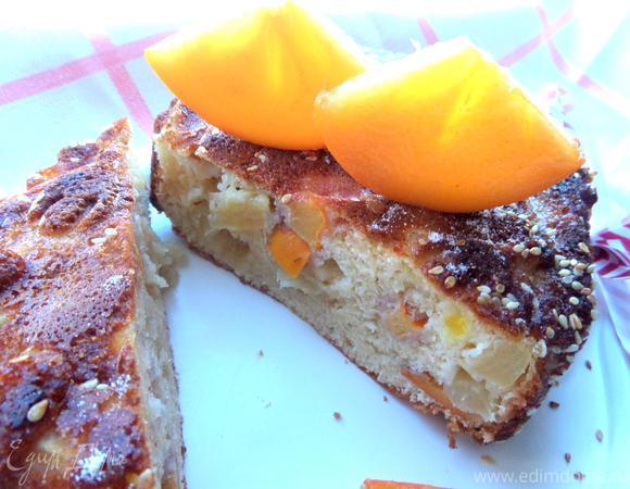 Шарлотка с ананасом и хурмой
