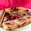 Слоеный пирог-рулет с вишней и корицей на сковороде