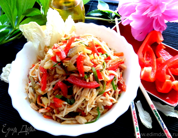 Рисовая вермишель с овощами и курицей