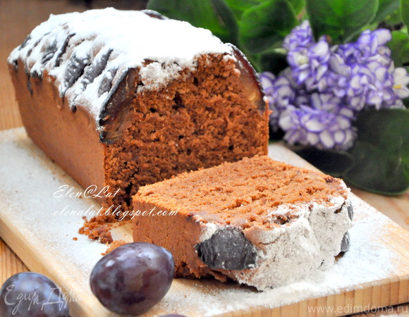 Шоколадно-миндальный кекс со сливами