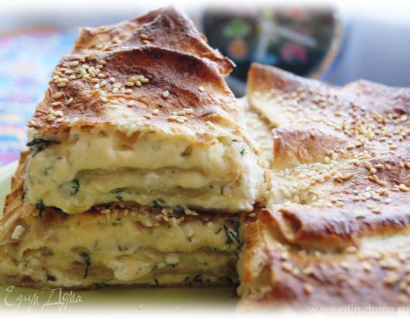 Быстрый пирог из лаваша с сыром и зеленью