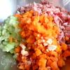 Салат с копченой курицей и фасолью