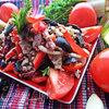 Гречневый салат с овощами и салями