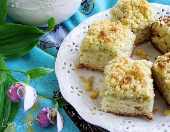 Пирог с ревенем и хрустящей посыпкой