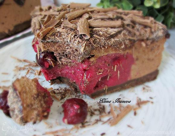 Шоколадно-вишнёвый торт-мусс