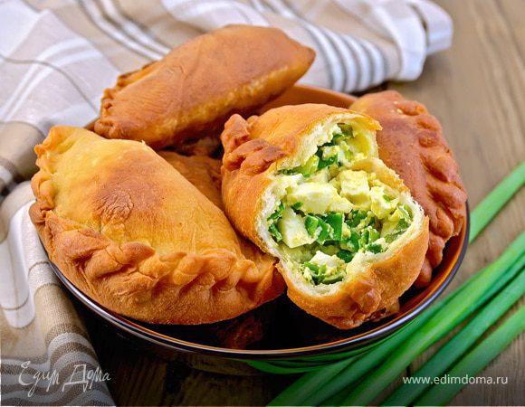 Луковые страсти: семь вкусных блюд из репчатого и зеленого лука