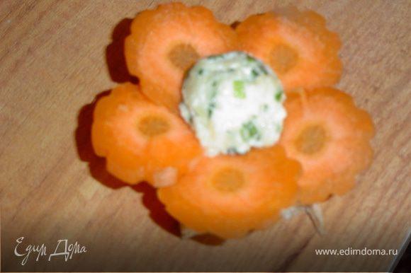 Морковные цветочки - с зеленой массой.