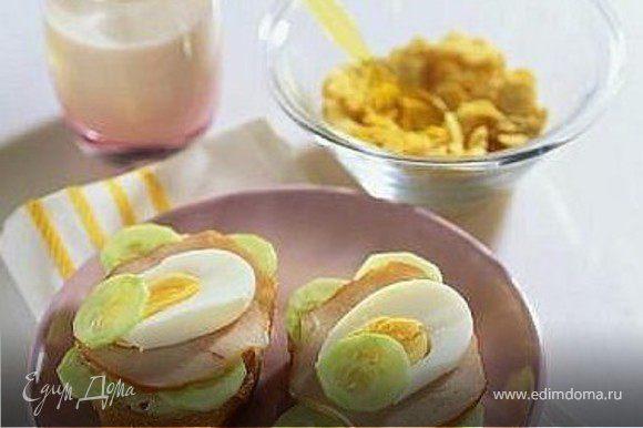 полдник - бутерброды и мюсли
