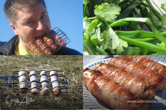 Запах костра....поджареного бекона....горячая сосиска....горчица.....хлебушек....любимый человек....что может быть прекраснее!!!)))
