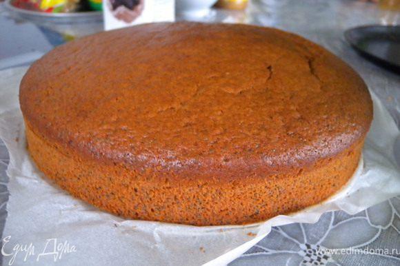 """1. Испечь бисквит http://www.edimdoma.ru/recipes/20941. Этот же бисквит был и в торте """"Белый трюфель"""" http://www.edimdoma.ru/recipes/22821"""