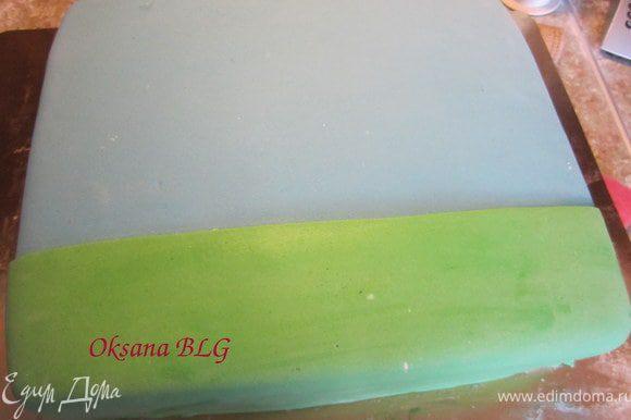 для более ярких цветов, торт можно сверху прокрасить гелевыми красками, немного разведенными водкой.