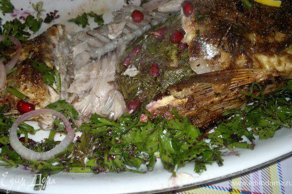 Здесь она в разрезе)) Надеюсь моя рыба вам понравится))) Приятного апетита)))