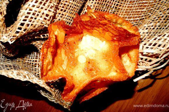 Из оставшихся 2-х белков я испекла печенье тюиль по рецепту http://www.edimdoma.ru/recipes/22936