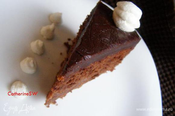 """Я очень надеюсь, если вы решитесь сделать Захер по этому рецепту, рекомендации и фото к шагам помогут вам сделать торт """"Захер"""" совершенным)) Торт получился очень вкусным! Толстый слой глазури вкусен до умопомрачения))) Я никогда не пробовала настолько вкусной глазури)"""